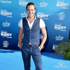 Dominic Sherwood 'Finding Dory' premiere in Los Angeles Juicy Juice, Dominic Sherwood, Finding Dory, Cassandra Clare, Disney Pixar, Good Books, Overalls, Great Books, Jumpsuits