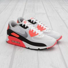 Nike Air Max 90 Hyperfuse Infrared.