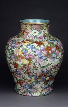 Vase mille fleurs, 1709, Dynastie des Qing, Céramique, émaux de la famille rose Photo © RMN — Richard Lambert — Musée national des Arts asiatiques