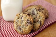 3 Chocolate Chip Cookies
