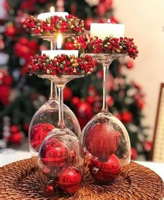 40 Affordable Christmas Decorations Ideas to Prepare For Christmas Celebration Rose Gold Christmas Decorations, Christmas Table Centerpieces, Christmas Table Settings, Christmas Candles, Xmas Decorations, Thanksgiving Decorations, Simple Christmas, Christmas Crafts, Elegant Christmas