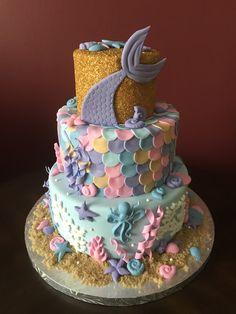 Mermaid Baby Shower Cake Little Mermaid Baby, Nemo Cake, Mermaid Baby Showers, Mermaid Cakes, 3rd Birthday Parties, Mermaid Birthday, Girl Shower, Baby Shower Cakes, Food Art