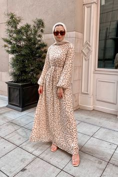 Modest Outfits Muslim, Modest Fashion Hijab, Muslim Fashion, Modest Dresses, Long Skirt Fashion, Mode Hijab, Classy Outfits, Hijab Dress, Balloon Sleeves