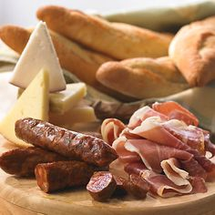 Bread, Cheese and Cured Meats Sampler    La Tienda