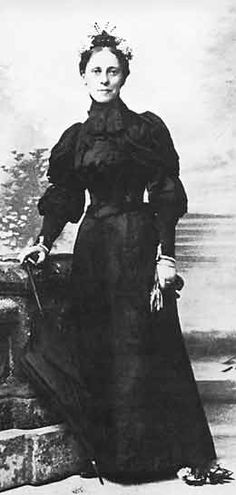 Mary Kingsley, one of the few female Victorian explorers. Crazy enough to go about West-Africa on her own.