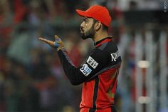 Virat's flying kiss to his fans and supporters during qualifier-1