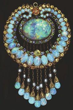 Tiffany  Australian Opals, Topaz, Crysoberyl, Gold, Green Andradite Demantoid Garnets, Sapphires and Pearls  c. 1915-1920  American Museum of Natural History