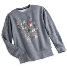Enchantez votre garde-robe avec ce sweatshirt La Belle et la Bête. Orné de la rose enchantée et d'une citation en lettres dorées, il est d'une incroyable douceur grâce à sa doublure polaire et ses manches longues de couleur contrastée.