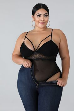 Plus size ladies got curves that excite the eyes of most men. The curves and all the wonderful features that excite men. Thick Girl Fashion, Plus Size Fashion For Women, Curvy Women Fashion, Look Fashion, Curvy Girl Lingerie, Sheer Bodysuit, Modelos Plus Size, Vetement Fashion, Looks Plus Size