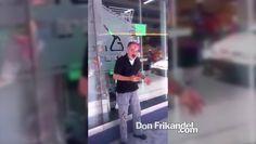 Señor de la tercera edad robando en Palacé con Los Huesos, Medellin, Col...