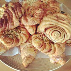 .@missbonnebonne | Früüühstück!!!!! Franzbrötchen & Co #hamburg #frühstück #missbonnebonne #... | Webstagram