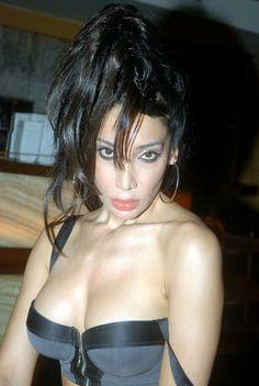 sofia hayat singer in sexy pose
