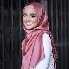 Cara Hijab, Hijab Niqab, Muslim Girls, Muslim Women, Niqab Fashion, Girl Fashion, Muslimah Clothing, Muslim Beauty, Hijab Fashion Inspiration