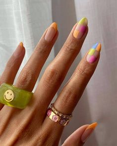 Nail Design Stiletto, Nail Design Glitter, Acylic Nails, Almond Nails Designs, Nail Jewelry, Resin Jewellery, Funky Nails, Colorful Nails, Pastel Nail Art