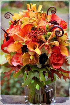 Orchids such a lovely addition to the design Fall Flowers, Fresh Flowers, Beautiful Flowers, Wedding Flowers, Orange Flowers, Beautiful Gorgeous, Flowers Garden, Purple Wedding, Simply Beautiful