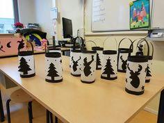 zwart papier en wit bakpapier. kaarsenfakkels Noel Christmas, Christmas Crafts, Christmas Decorations, Xmas, Projects For Kids, Crafts For Kids, Diy Crafts, Kids Class, Jolly Holiday