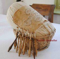 Železniki, Slovénie Bobbin Lacemaking, Linens And Lace, Antique Lace, Memories, Tools, Pillows, Antiques, Inspiration, Dressmaking