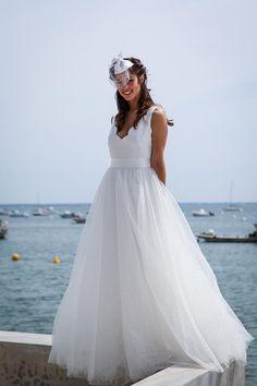 Scalloped V Neckline Sleeveless White A-line Satin and Tulle Beach Wedding Dress