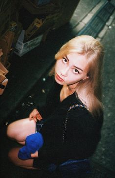 Young Money, Girl Korea, Gold Hair, Celebs, Celebrities, Face And Body, Pretty People, Kpop Girls, Asian Girl