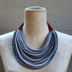 Grande collana in tessuto /collana in seta di cravatte di aBimBeri
