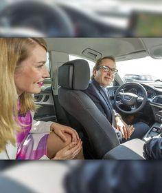 """""""OH GOTT, DER ÜBERHOLT JETZT EINFACH!"""" Der selbstfahrende Audi im A9-Praxistest Verkehrsminster Dobrindt und BamS-Reporterin Antonia Giese wagten eine Fahrt"""