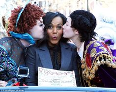 'Hasty': Kerry Washington got kissed by a couple of performers from the Hasty Pudding Thea...