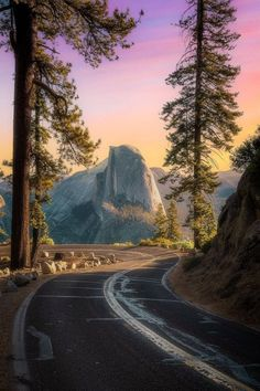 ~Chobbit Hobbit's Nature Corner~ — renamonkalou: Sunrise vibes from Glacier Point... Yosemite Glacier Point, Yosemite National Park, National Parks, Yosemite Valley, Aesthetic Backgrounds, Pathways, Monument Valley, Sunrise, Country Roads