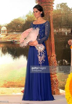 Princess Catherine, Duchess of Cambridge attends a Gala Dinner and reception with Bollywood stars and figures from the business world at the Taj Palace Hotel on April 2016 in Mumbai, India. (Photo by UK Press Pool/Getty Images) Lady Diana, Style Kate Middleton, Kate Middleton Pictures, Middleton Wedding, Prince William And Catherine, Prince William And Kate, Duchesse Kate, Princesa Kate Middleton, Herzogin Von Cambridge