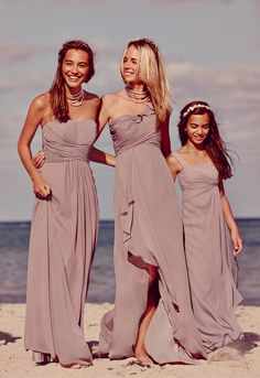 Flowy #bridesmaiddresses in a neutral like Quartz are perfect for a beach affair. #davidsbridal #beachweddings