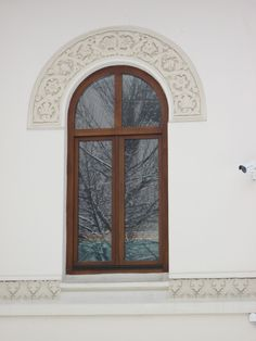 Casă Str Tirana Mediterranean Style Homes, Design Case, Romania, Oversized Mirror, Windows, Traditional, Furniture, Home Decor, Spanish