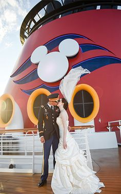 Disney Cruise Line Wedding Spotlight: Lydia & Dave | Ever After Blog | Disney Fairy Tale Weddings and Honeymoon