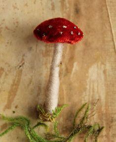 the adventures of bluegirlxo Mushroom Crafts, Tiny Mushroom, Felt Mushroom, Mushroom Decor, Mushroom Art, Woodland Christmas, Nordic Christmas, Christmas Baubles, Christmas Diy