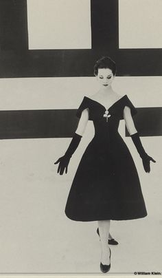 "Dior, presentationof the ""Fuseau"" line for automn/Winter 1957/1958"