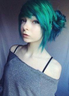 Credits to: Lefabulouskilljoy // green hair, scene hair Goth Hair, Emo Hair, Cabello Peekaboo, Pelo Emo, Hair Inspiration, Hair Inspo, Emo Scene Hair, Alternative Hair, Scene Girls