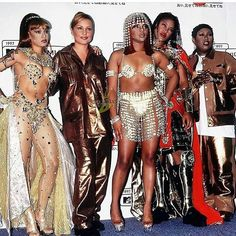 Ladies Night✨ #90s Via: @lefteye.and.2pac