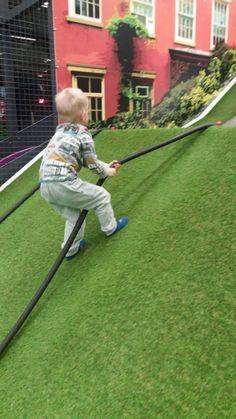 Lapsen motorinen kehitys | Tämä tyypillinen virhe on vaaraksi lapsen kehitykselle Baseball Field, Soccer, Sports, Hs Sports, Futbol, Soccer Ball, Excercise, Football, Sport