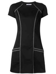 All day dresses. Never be stuck without something to wear with our collection of designer day dresses at Farfetch. African Fashion, Korean Fashion, Black Dress With Sleeves, Dress Black, Mode Style, Classy Outfits, Dress Patterns, Designer Dresses, Ideias Fashion