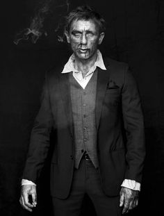 Daniel Craig byJean-Baptiste Mondino