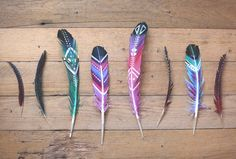 Plumas - ideas DIY estupendas para hacer manualidades y decorar - Easy Craft Projects, Diy Projects To Try, Fun Crafts, Arts And Crafts, Craft Ideas, Upcycling Projects, Nature Crafts, Diy Ideas, Feather Painting