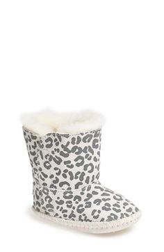 Darling leopard print UGG boots for babies http://rstyle.me/n/ufqdanyg6