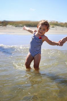 mother daughter,  inspirational parenting, beach photo ideas, vacation photo ideas,