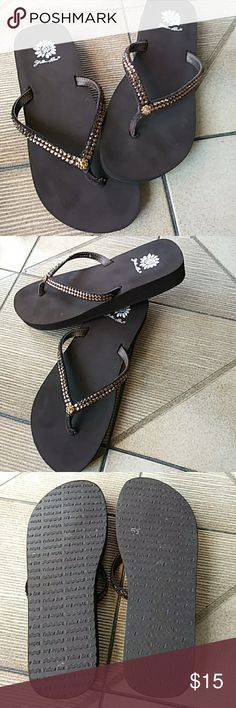 YELLOW BOX flip flops - Adorable! Just the right amount of bling! Yellow Box Shoes Sandals