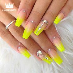 43 Beautiful Nail Art Designs for Coffin Nails Yellow Coffin Acrylic Nails with Rhinestones - Nail Designs Coffin Nails Matte, Best Acrylic Nails, Acrylic Nail Designs, Nail Art Designs, Acrylic Art, Yellow Nails Design, Yellow Nail Art, Neon Yellow Nails, Elegant Nail Art