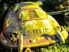 Vintage car and supercar famous photos Vintage Porsche, Vintage Cars, Abandoned Cars, Abandoned Vehicles, Junkyard Cars, Strange Cars, Porsche 356 Speedster, Rust In Peace, Rusty Cars