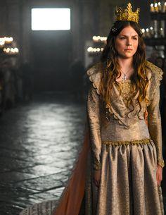 """I would do almost anything for the sake of Paris. I would kill myself for the sake of Paris."" ~ Gisla | Morgane Polanski as Princess Gisla of West Francia | Vikings Season 4"