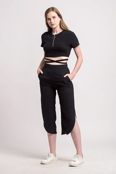 Shop effortless, minimalist & modern ready-to-wear here. We make quality & affordable fashion since We ship worldwide. Capri Pants, Normcore, Summer, Clothes, Style, Fashion, Outfits, Swag, Moda