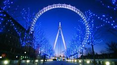 The London Eye is one of London's top attractions. Find out about London Eye tickets and London Eye prices. London Eye, London Icons, London Attractions, London Restaurants, Madame Tussauds, Trafalgar Square, Things To Do In London, Free Things To Do, Cheap Things