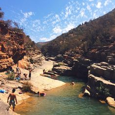 A desert oasis in Morocco - cliff jumping and swimming in Paradise Valley #morocco #travelpix