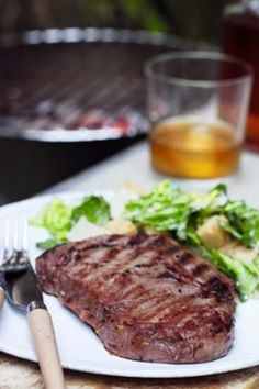 An American inspired dish, using rump, sirloin or rib eye steaks in a simple tasty whisky and soy marinade for maximum flavour. Easy Steak Recipes, Grilling Recipes, Cooking Recipes, Bbq Marinade, Beef Sirloin, 30 Minute Meals, Slow Food, Steaks, Barbecue