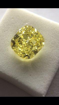 GIA 2.00 Fancy Intense Yellow Vs1.
